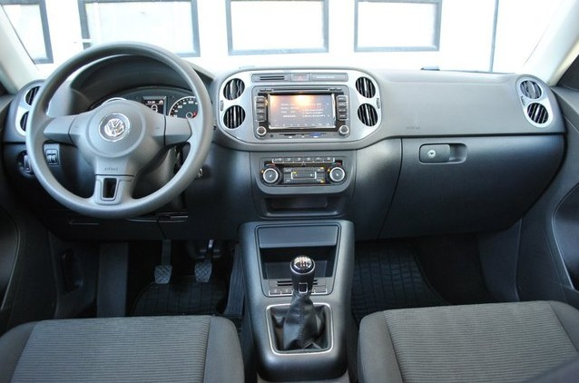 Volkswagen Tiguan 2011 приборная панель